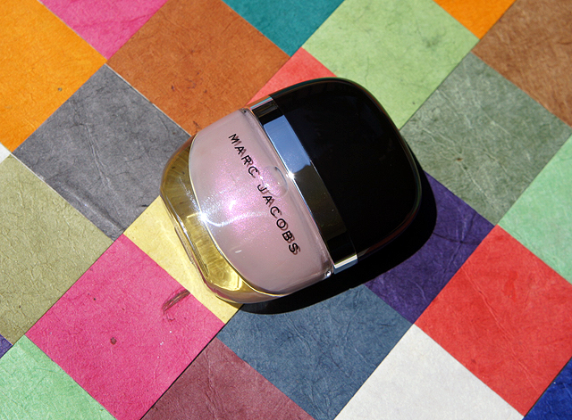 Marc-Jacobs-Fluorescent-Beige-142-Enamored-Nail-polish