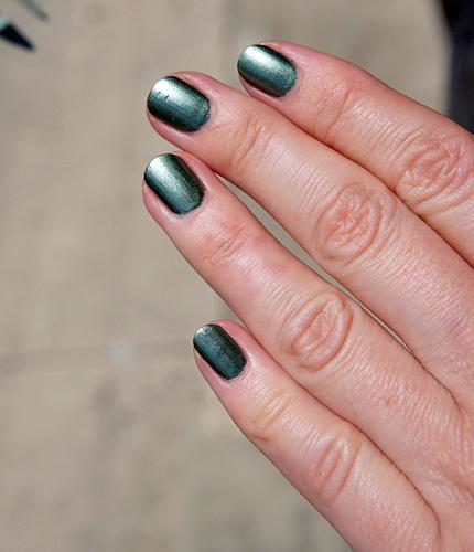 estee-lauder-metallic-green-2.jpg