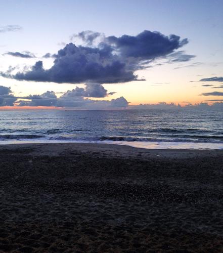 Пляж...