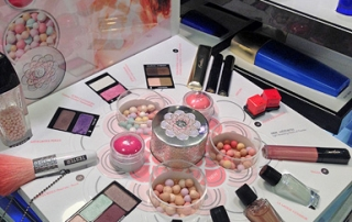 guerlain-spring-2014-collection-display.jpg