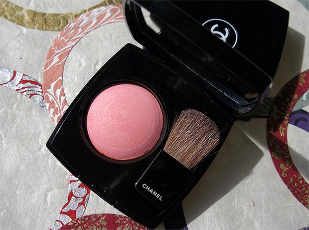 Chanel-Sakura-Joues-Contraste.jpg